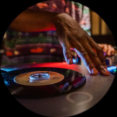 What's On (DJs)